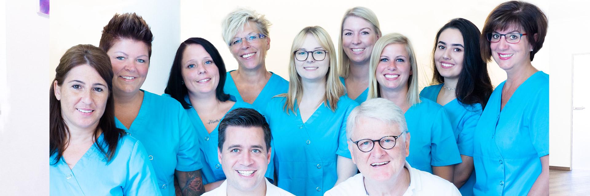 Gruppenbild Zahnarztpraxis Santamaria
